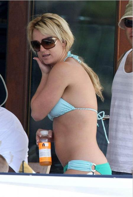 фото Бритни Спирс в купальнике