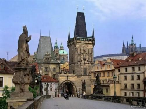 Спешу поделиться тем, что так распирает меня всего. А именно – недавняя поездка в Чехию.