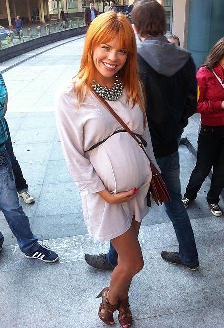 От кого стоцкая беременна 98